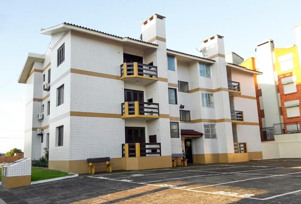 Apartamento Condomínio Mediterranée