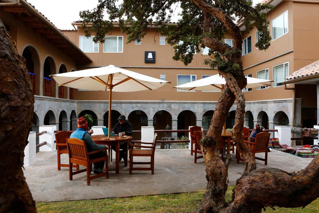 A restaurant or other place to eat at Casa Andina Standard Cusco San Blas