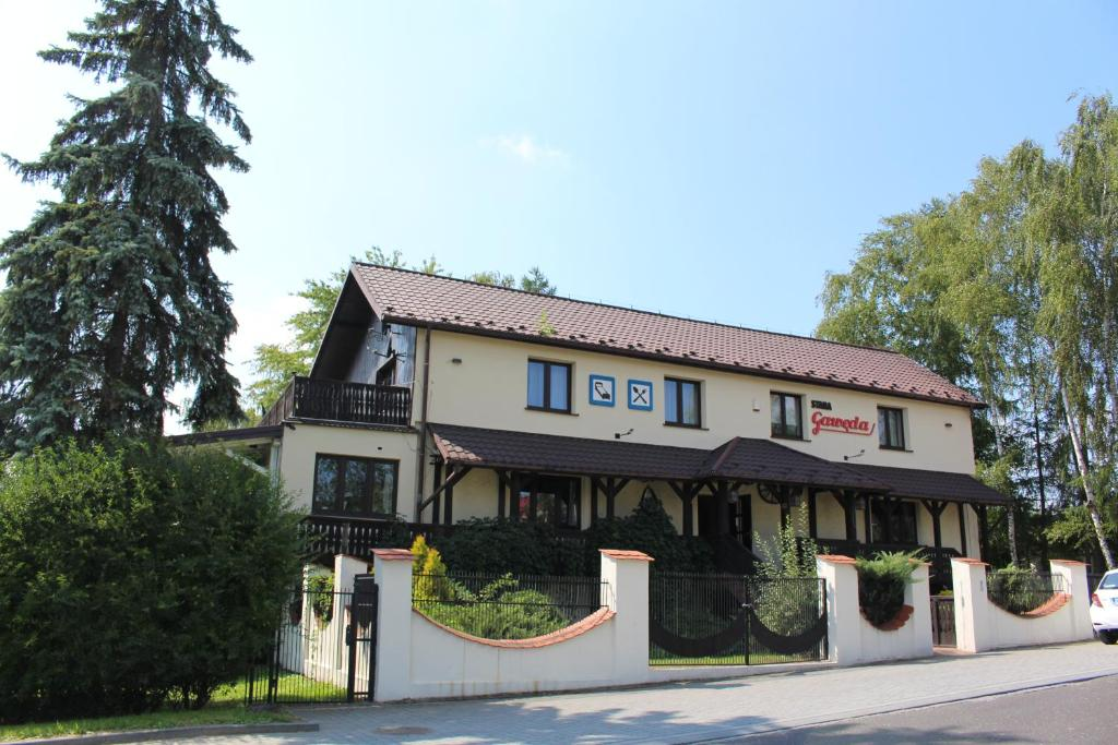 Bed And Breakfasts In ŁApanów