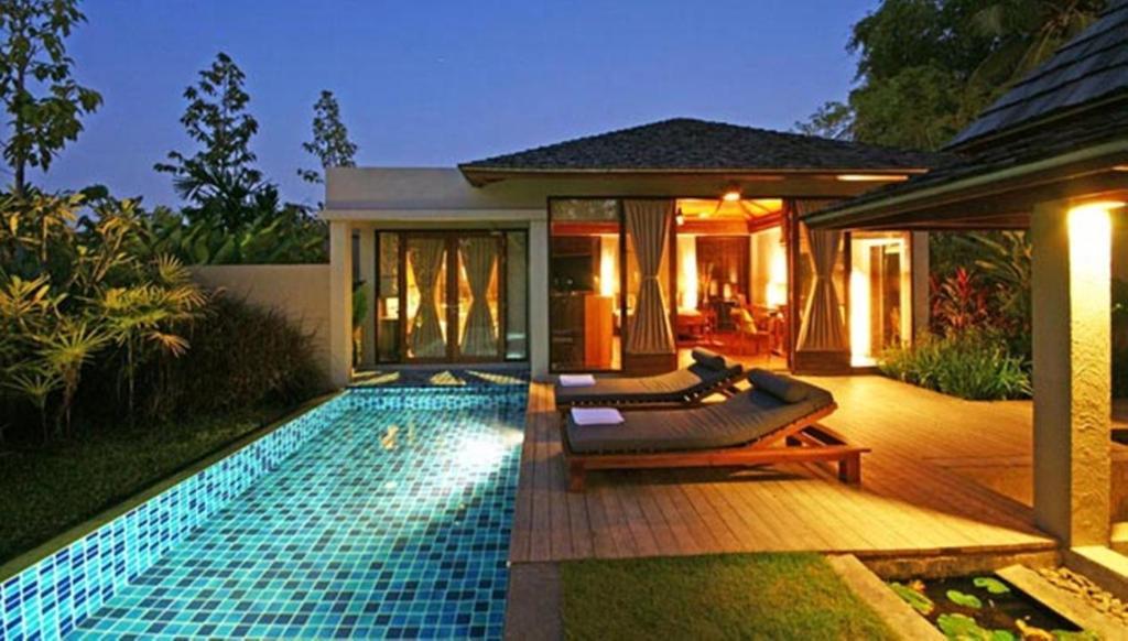 The swimming pool at or close to Pattara Resort & Spa