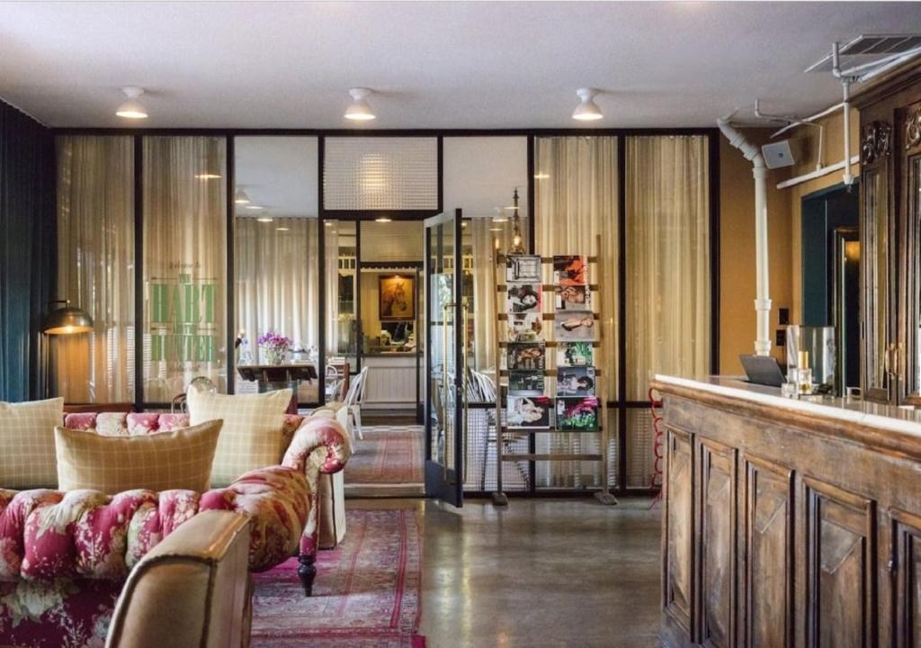 The lobby or reception area at Palihotel Melrose