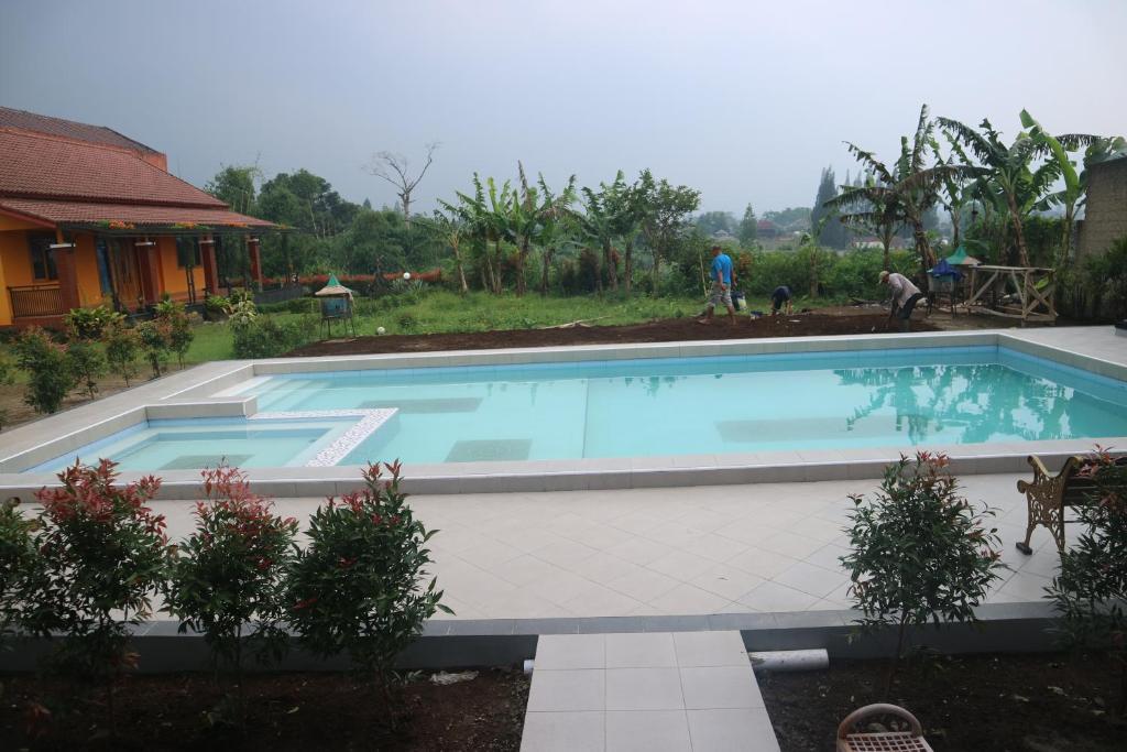 Villa Rasberry Garden Lembang Booking Com