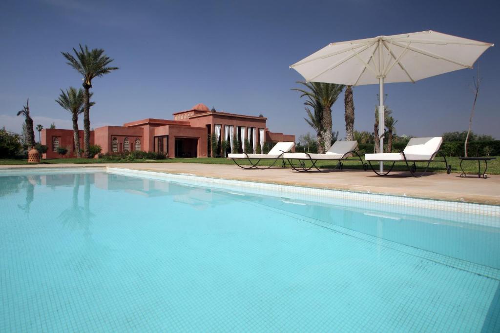 The swimming pool at or near Dar Kamango