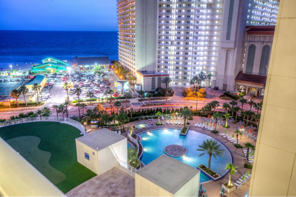 Laketown Wharf Resort 1036 By ZIA