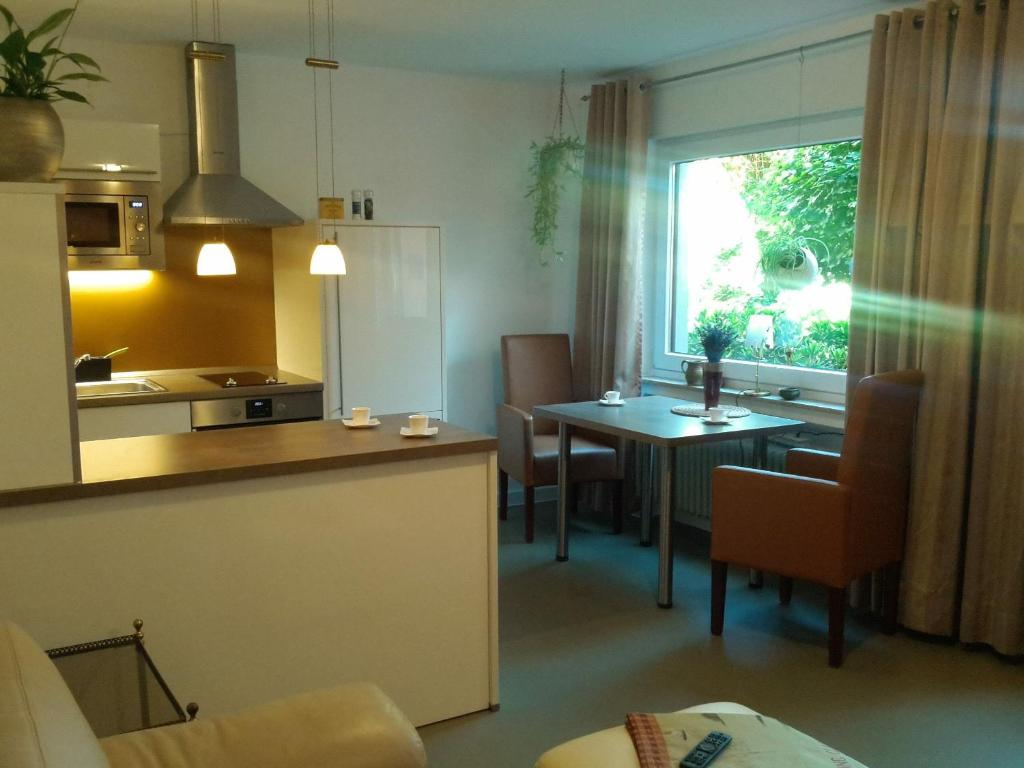 A kitchen or kitchenette at Oerlihome