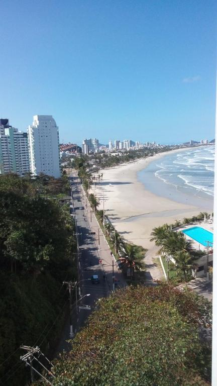 Apartamento frente para o Mar ,50 m da praia , ar condicionado todos quartos