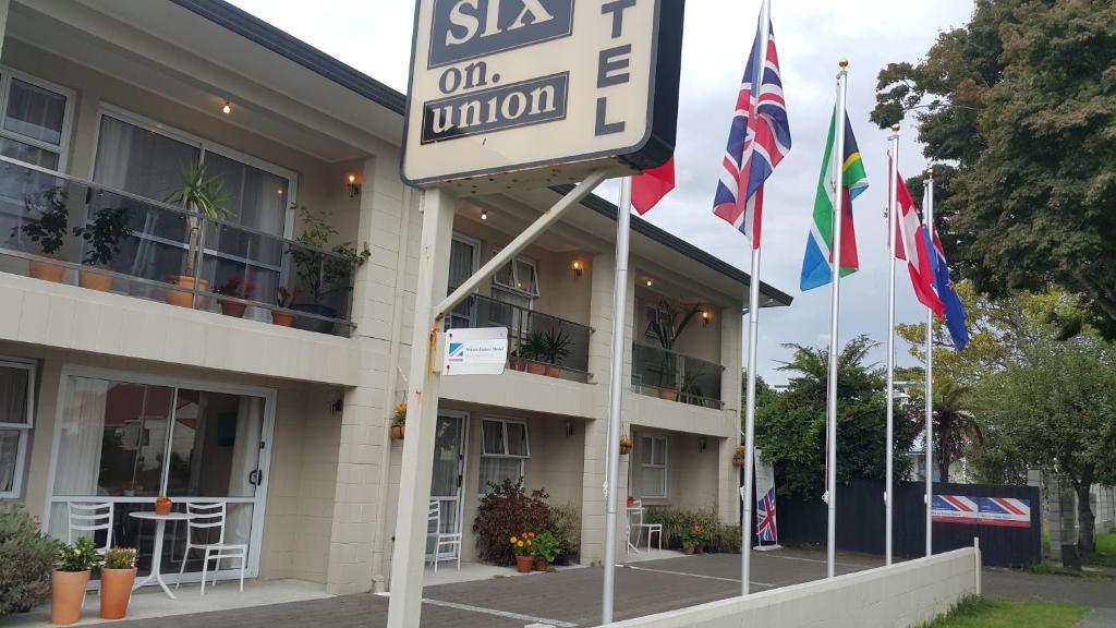 Six On Union Motel