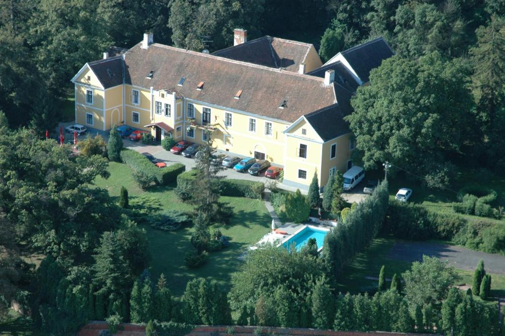 A bird's-eye view of Kastélyfogadó Sitke