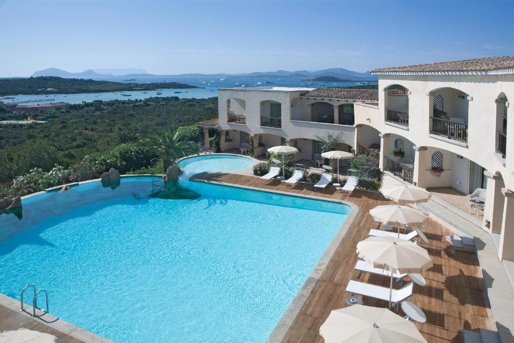 Vista sulla piscina di Petra Bianca o su una piscina nei dintorni