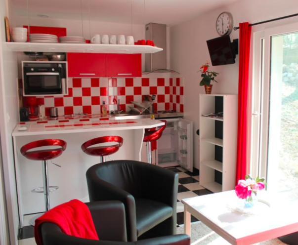 Cuisine ou kitchenette dans l'établissement Caulkin Cottages