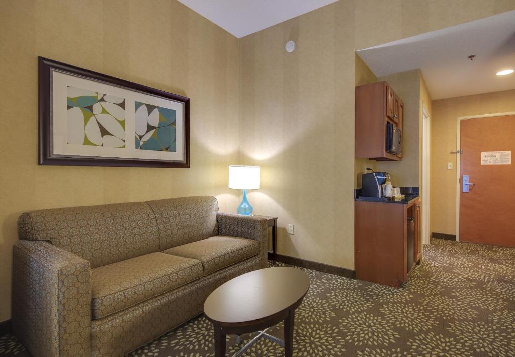 Holiday Inn Express Suites Sylva Dillsboro Dillsboro 8 9 10 Updated 2021 Prices
