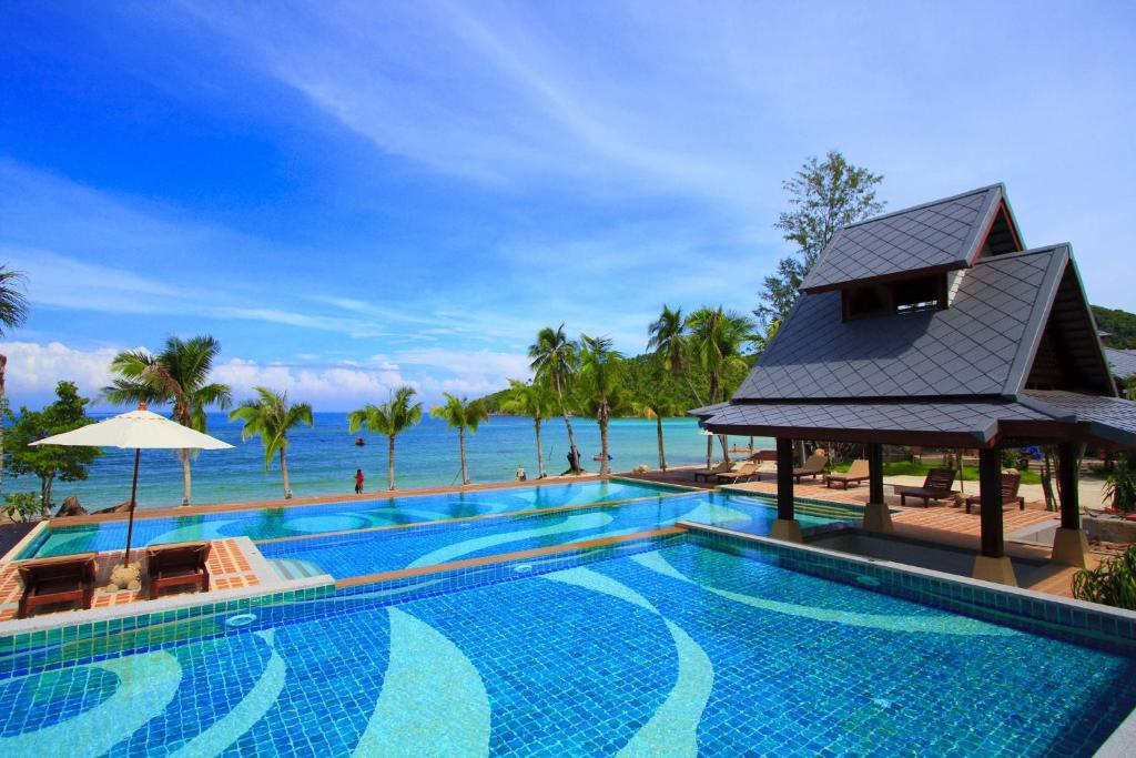 The swimming pool at or near Salad Buri Resort