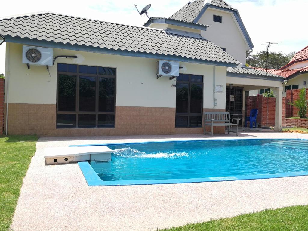 Villa With Private Swimming Pool Malacca Malaysia Booking Com
