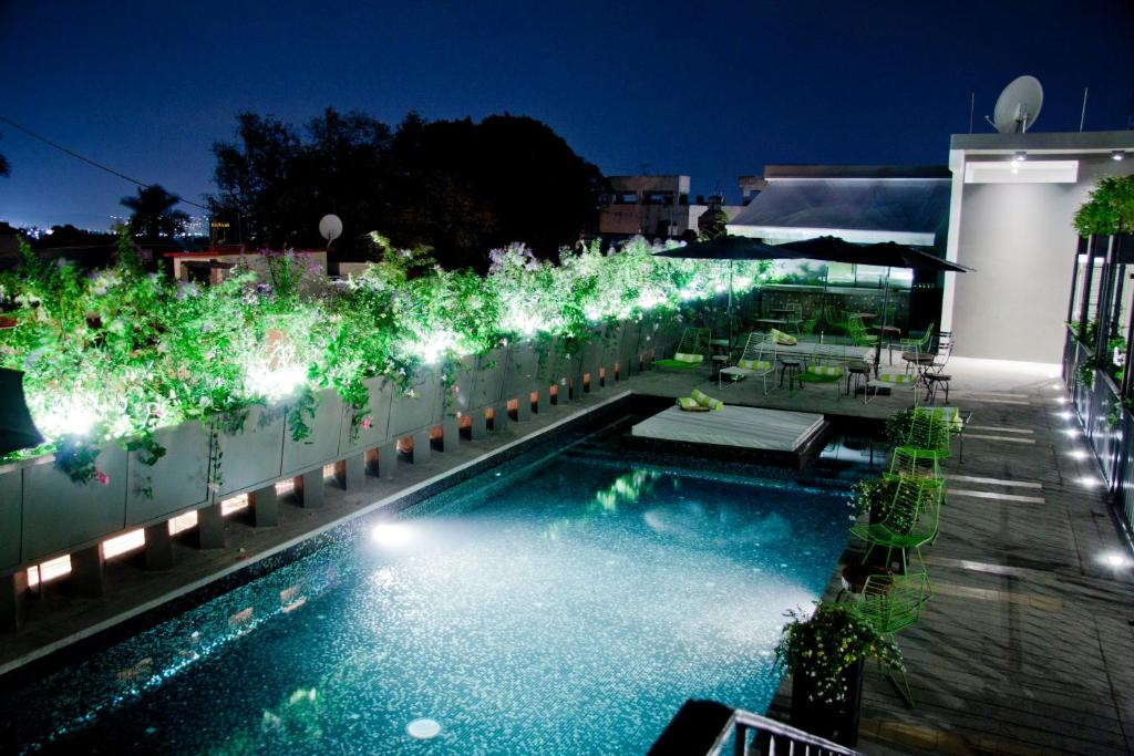 The swimming pool at or near Flor de Mayo Boutique Hotel, Spa & Restaurant