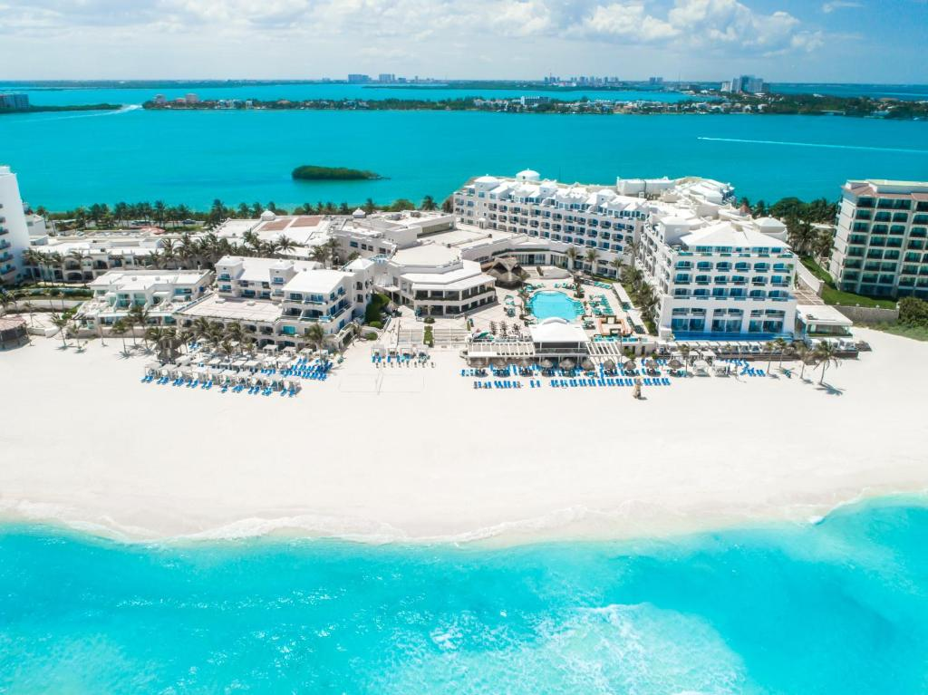 A bird's-eye view of Panama Jack Resorts Cancun