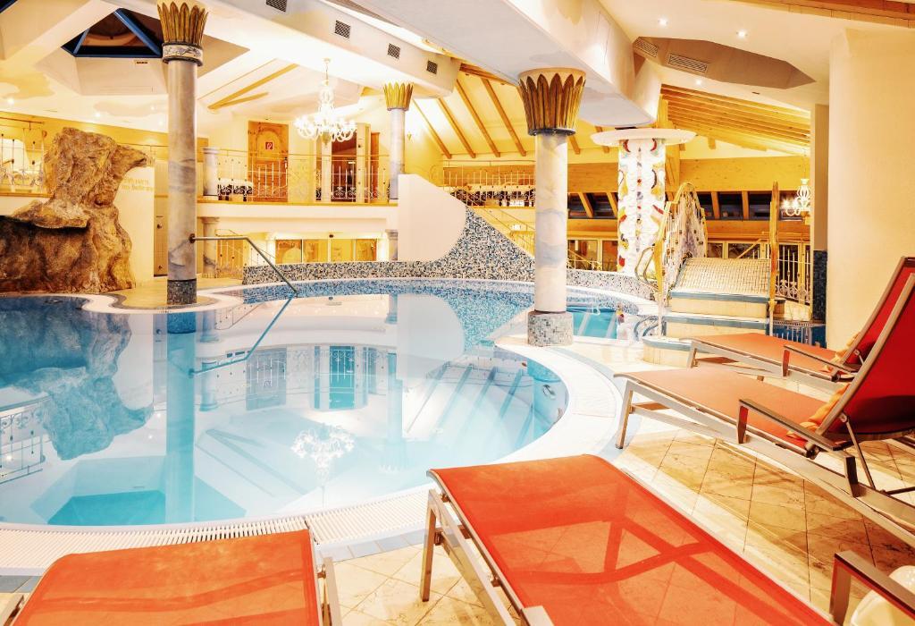 Hotel Neuhintertux Tux, Austria