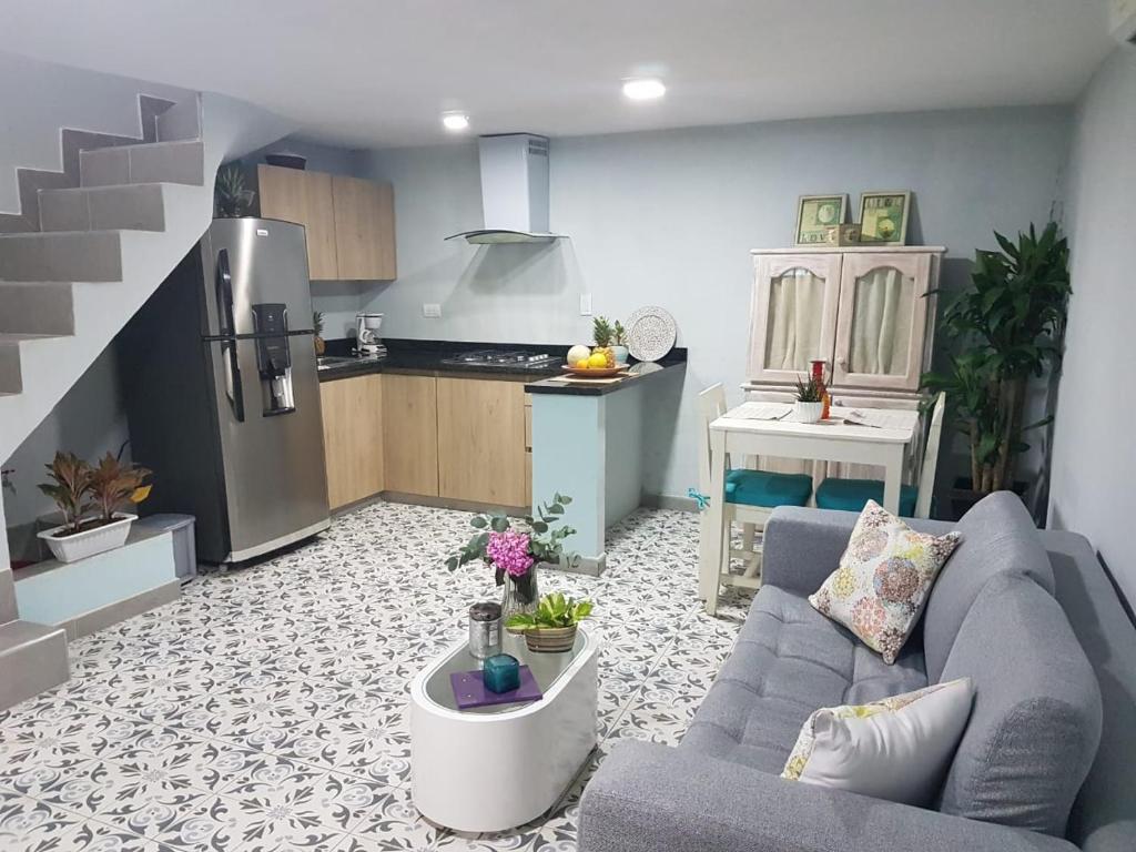 A kitchen or kitchenette at Casa Anita