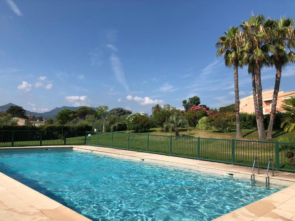 Appartement T2 dans résidence calme avec piscine