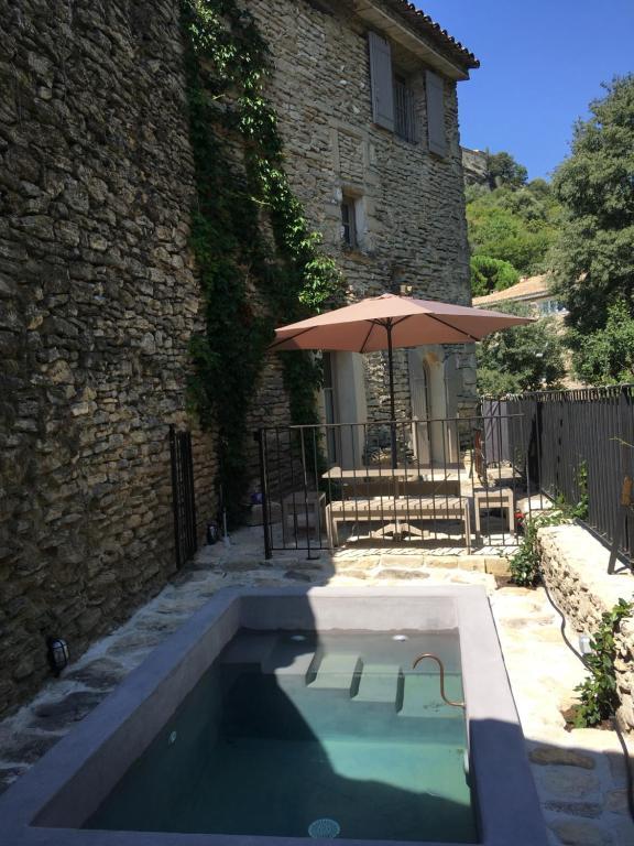 La Calade, maison de village, Gordes – Updated 8 Prices
