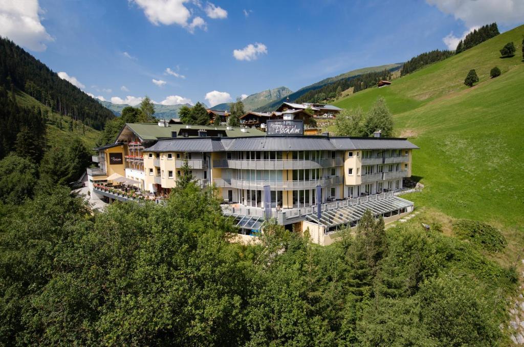 Blick auf Hotel Residenz Hochalm aus der Vogelperspektive