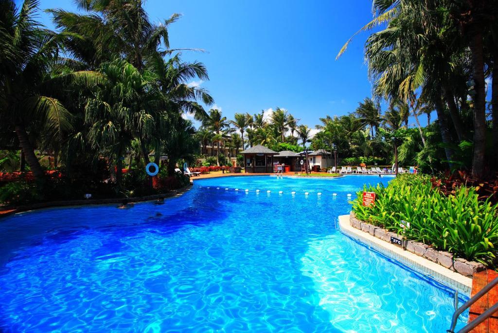 墾丁凱撒大飯店游泳池或附近泳池