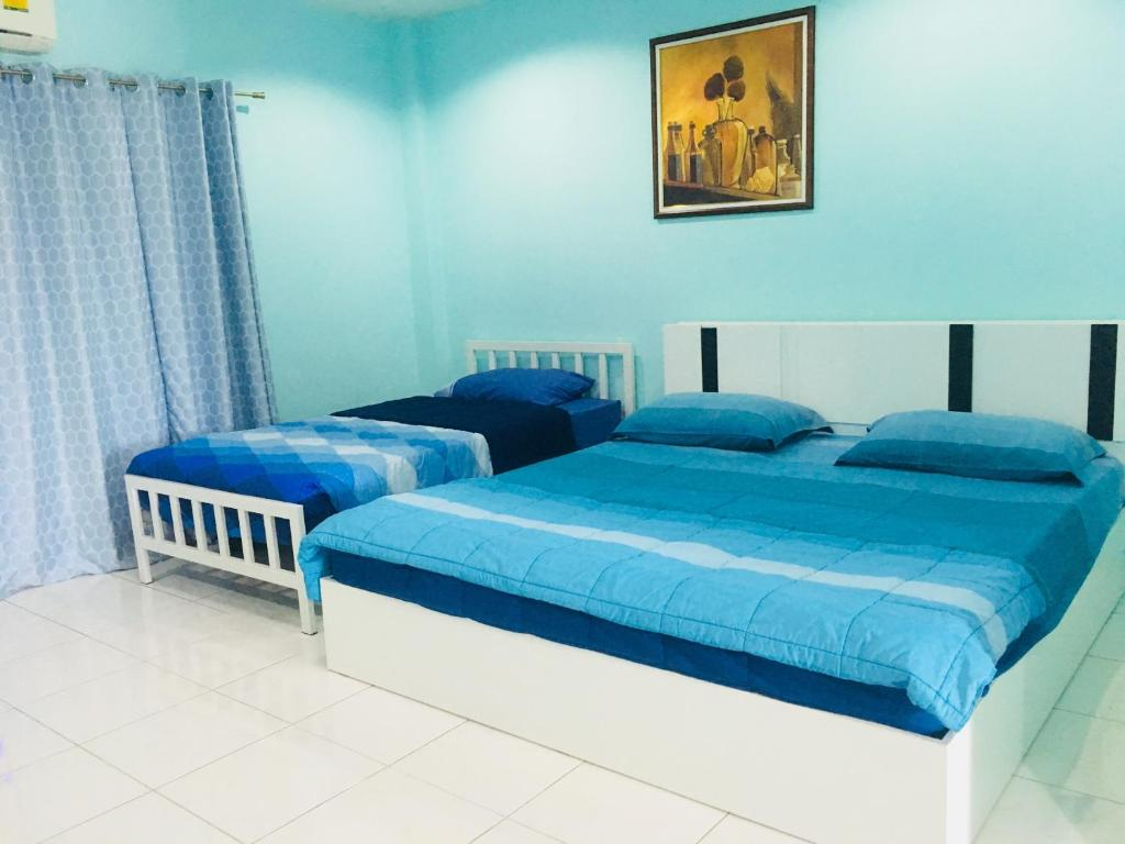 A bed or beds in a room at Best Rent a Room