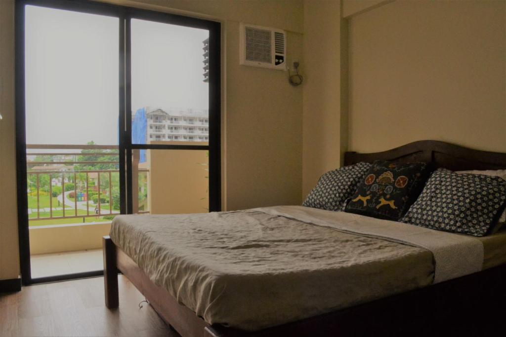 2 Br Condo In Mirea Residences Pasig City Manila Philippines Booking Com