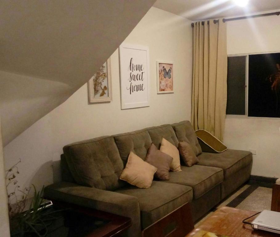 A seating area at Minha Casa, Seu Hostel