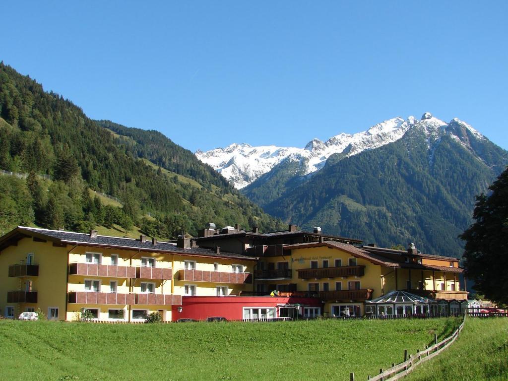 Hotel-Restaurant Lampenhausl Fusch an der Glocknerstrasse, Austria