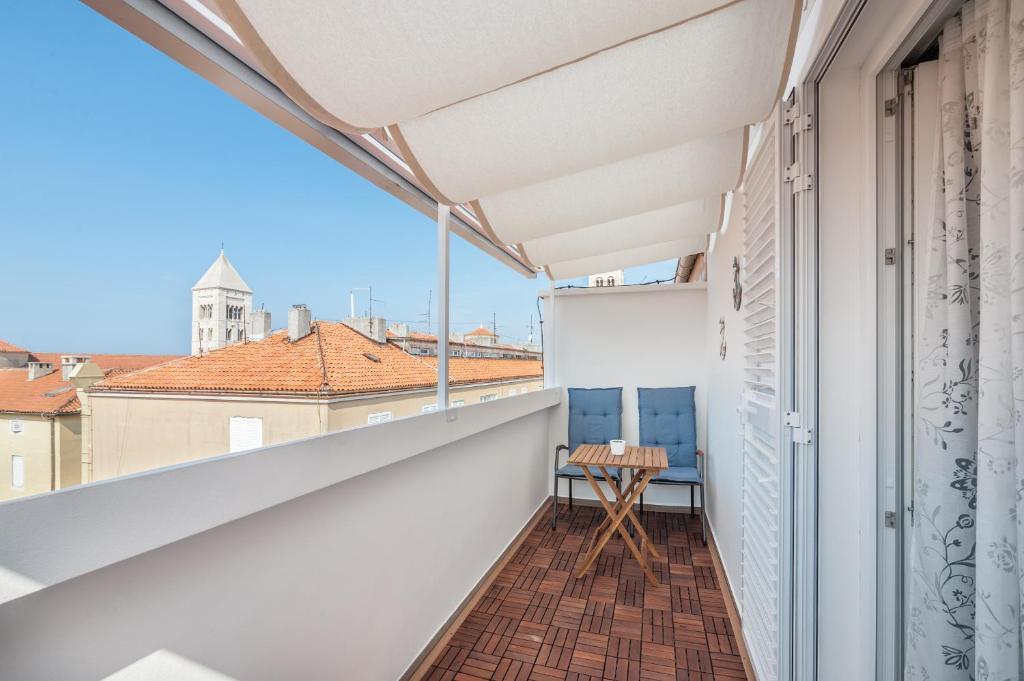 A balcony or terrace at City Vibe Studios