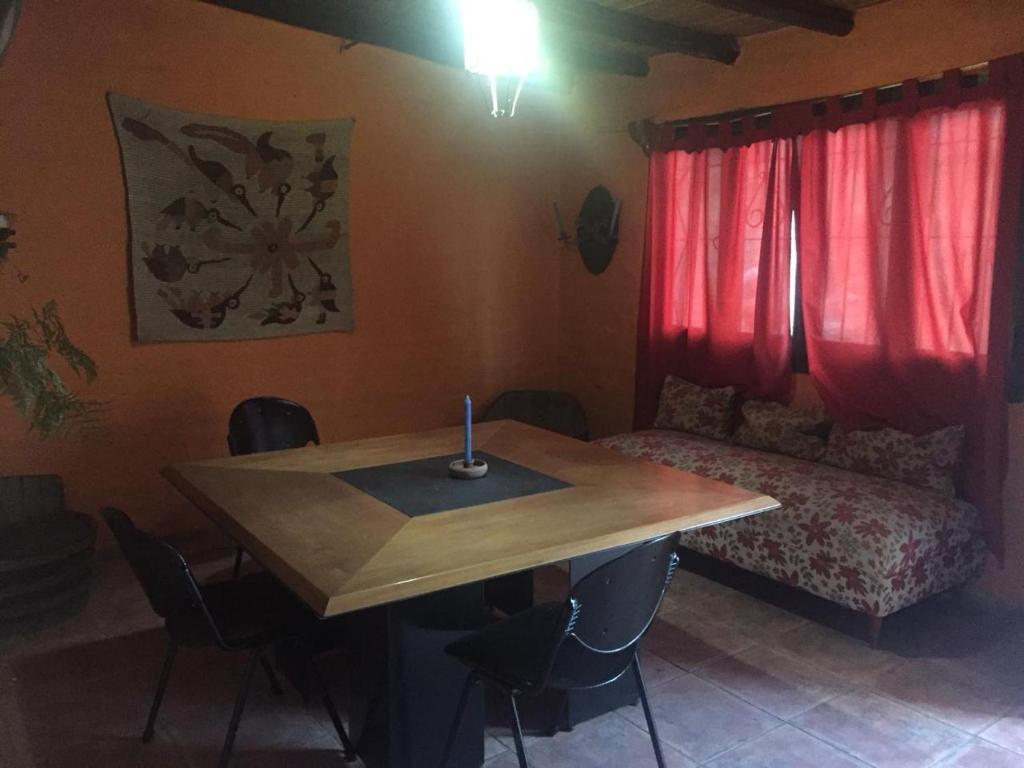 A seating area at Casa en Chacras de Coria