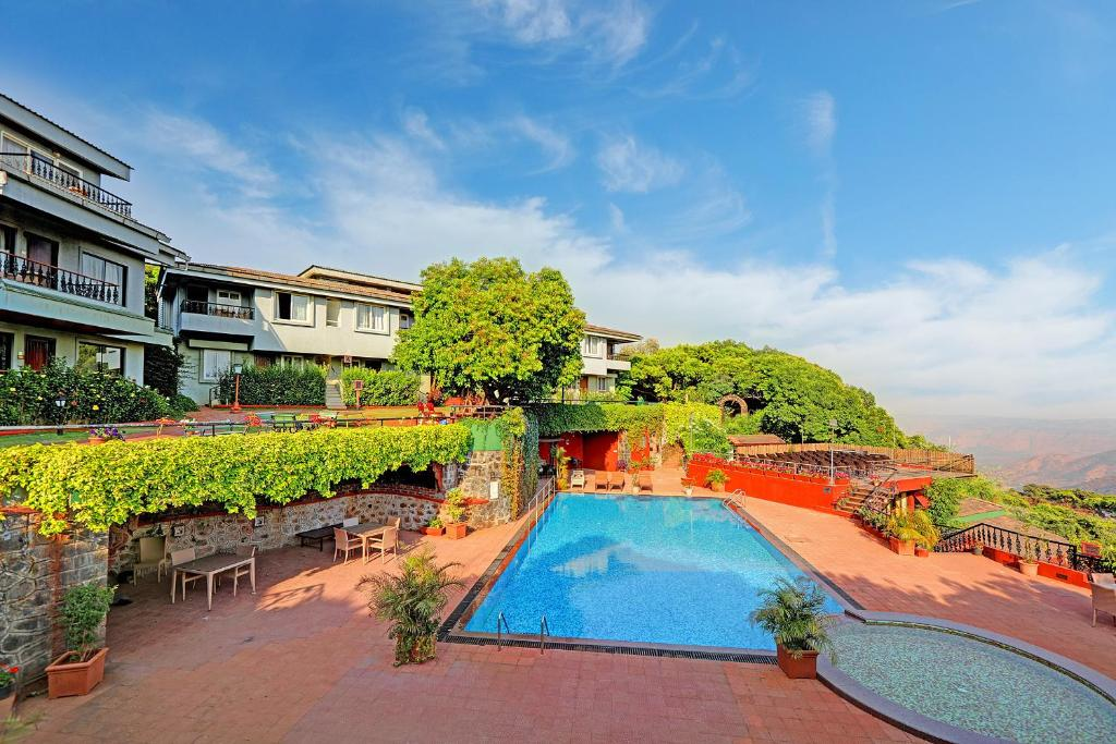 A view of the pool at Ramsukh Resorts and Spa or nearby