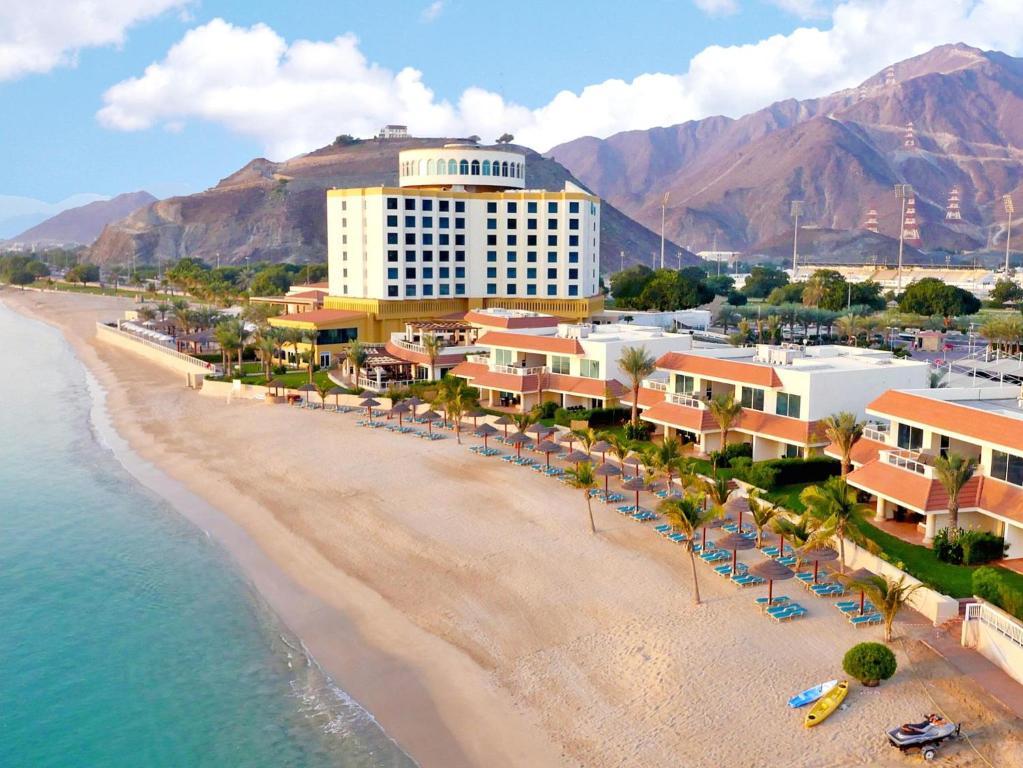 Оаэ 4 oceanic khorfakkan resort spa 4 дубай продаже квартиры