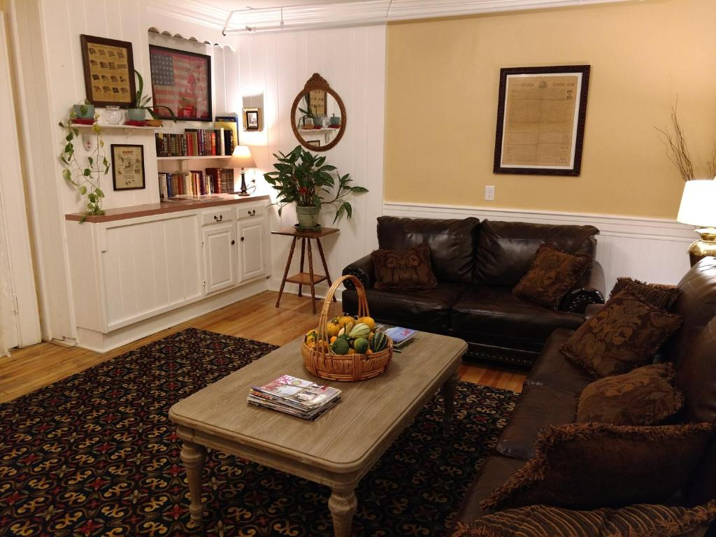 A seating area at Thayers Inn