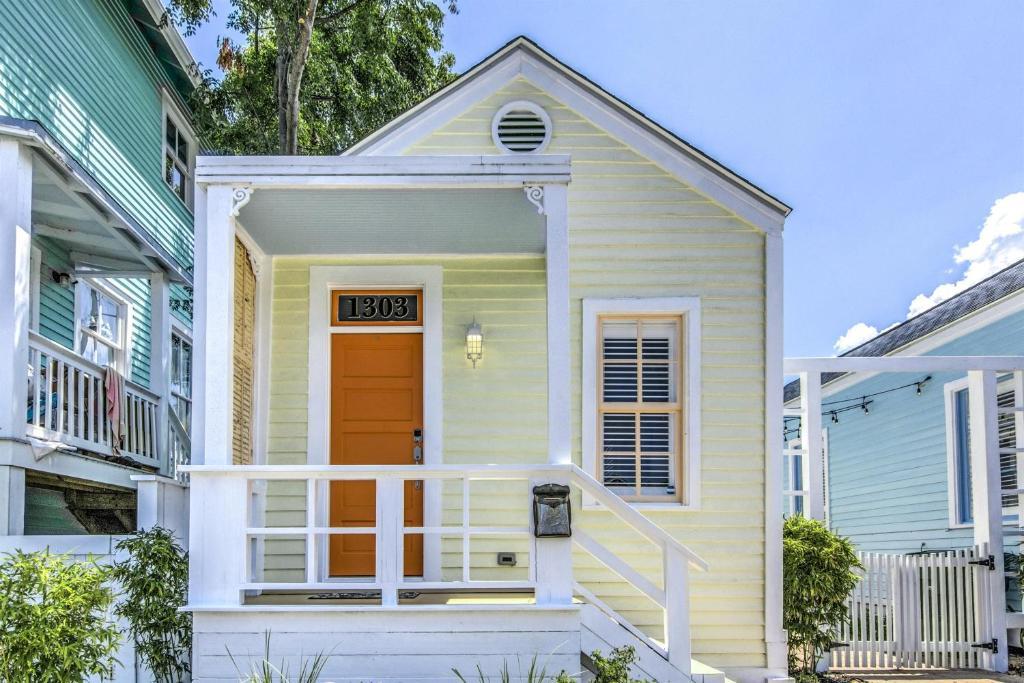 Cozy Historic Beach Cottage I Galveston Tx Booking Com