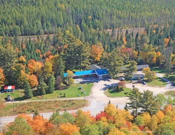 A bird's-eye view of Algonquin Motel