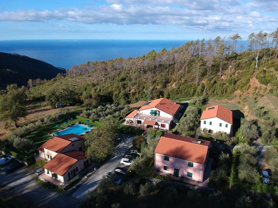Vista aerea di La Rossola Resort & Natura