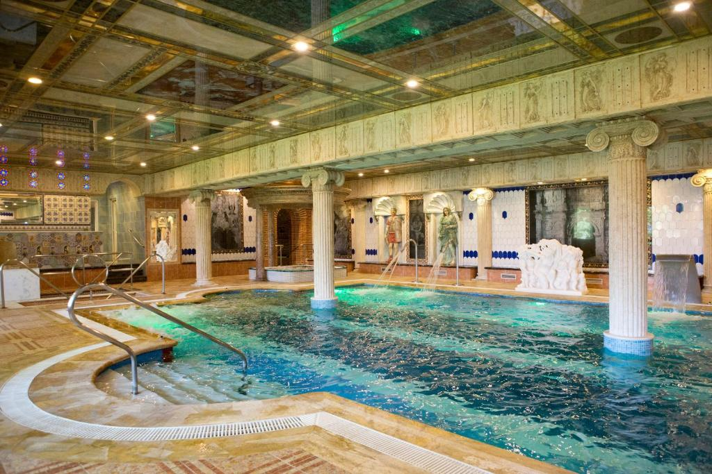 The swimming pool at or near Hotel Spa Convento I