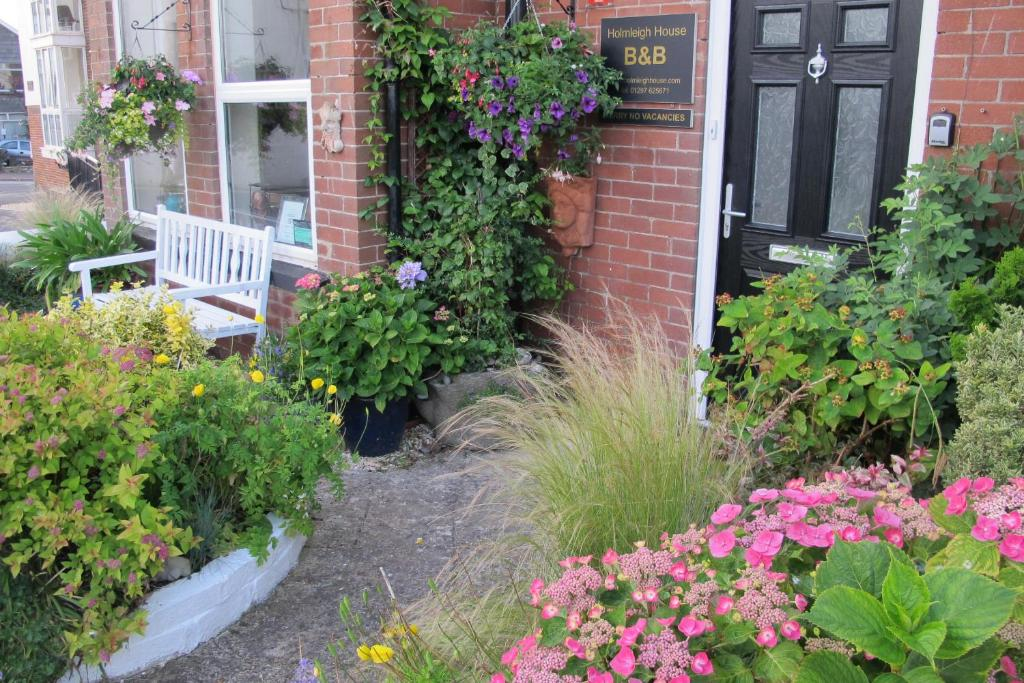 Holmleigh House Bed and Breakfast in Seaton, Devon, England