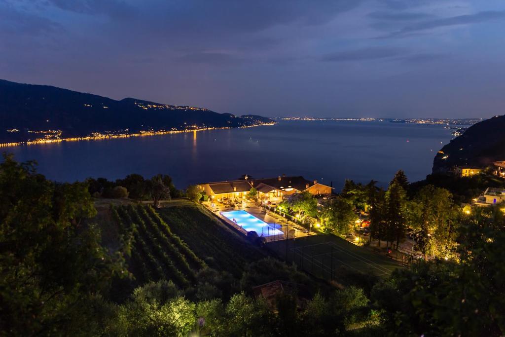 Вид на бассейн в Park Hotel Zanzanù или окрестностях