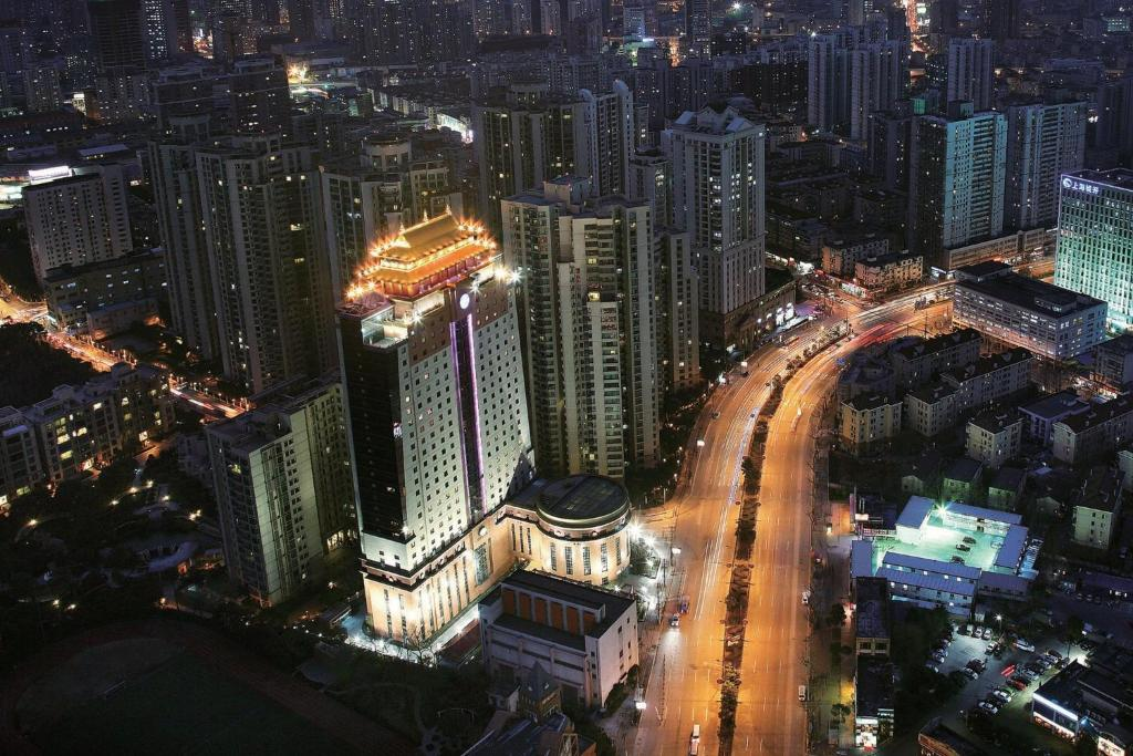 A bird's-eye view of Courtyard By Marriott Shanghai Xujiahui