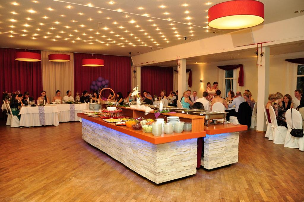 Hotel Zum Deutschen Hause Duitsland Kirchhatten Booking Com