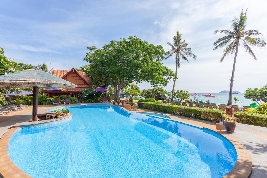 The swimming pool at or near P.P. Erawan Palms Resort