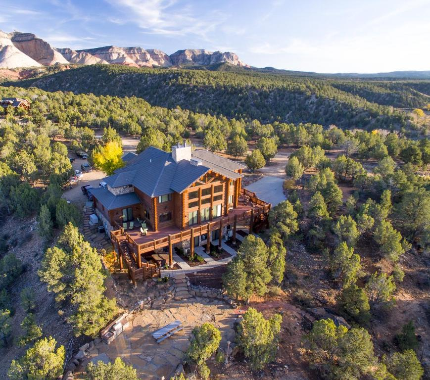 A bird's-eye view of East Zion Lodge