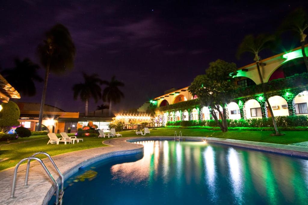 Piscina en o cerca de Hotel & Motel Hacienda Jiutepec