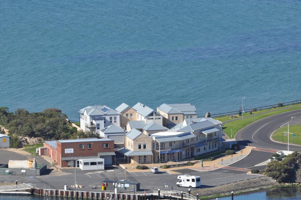 A bird's-eye view of Robe Marina Accommodation