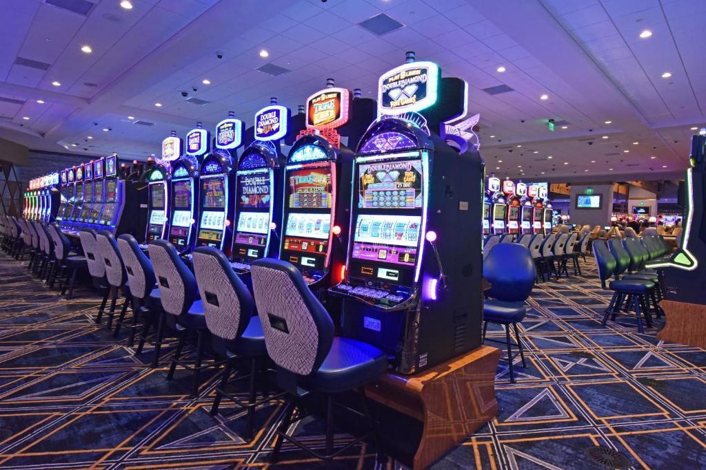 Готель казино бонусы в казино азартплей