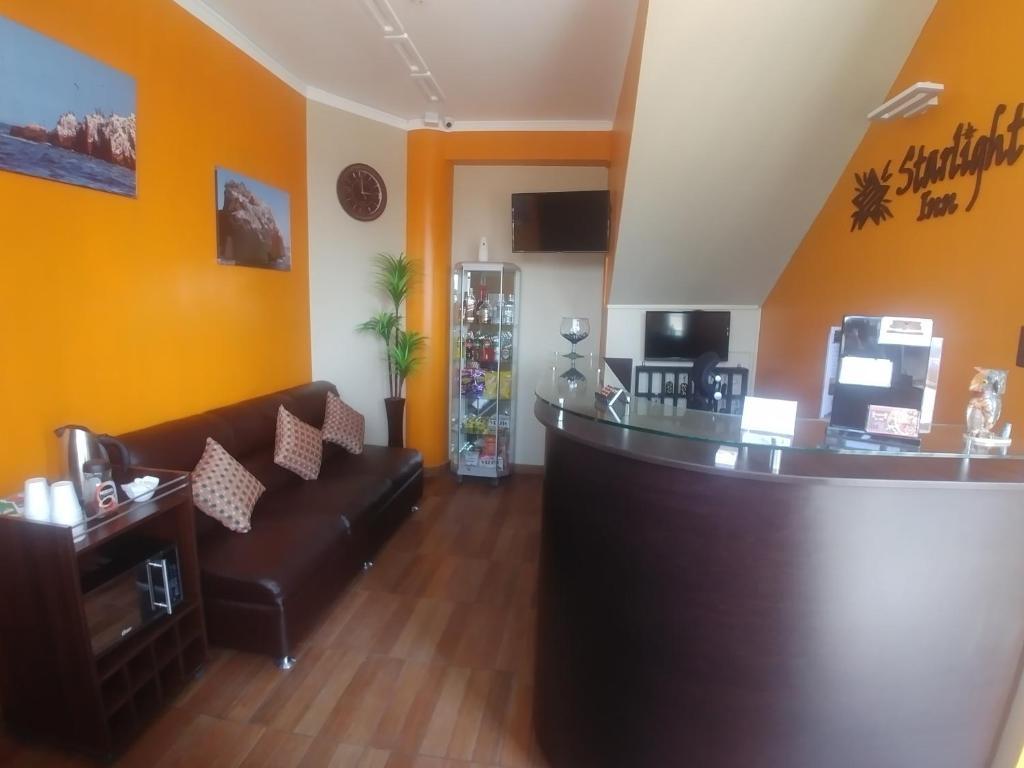 The lobby or reception area at Starlight Inn