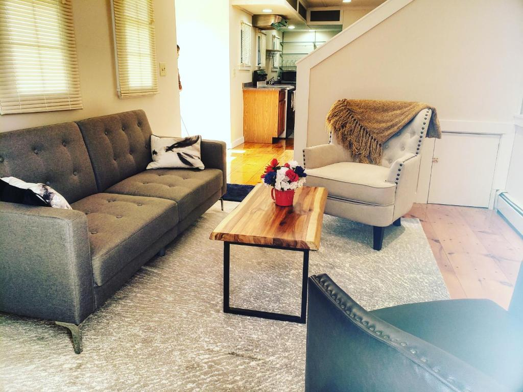 Providence Private Apartment