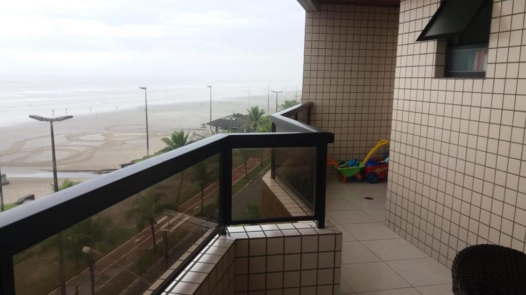 lindo apartamento de frente ao mar